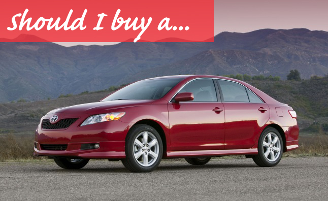 2011 toyota camry le review